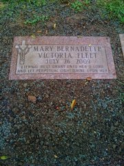 Mary Bernadette Victoria's grave and headstone.